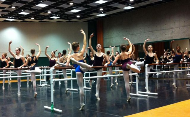 Students at the barre, Ballet masterclass with Alberta Ballet's Ballet Master Beverly Bagg. | Kirsten Andersen