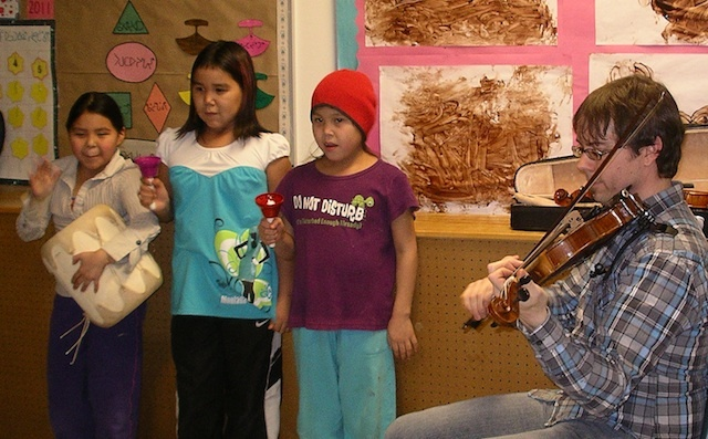 NAC Music Ambassador Greg Brown with students in Igloolik