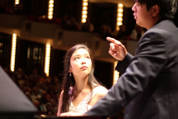 Anita Pari receives a private lesson from Lang Lang at his masterclass at the NAC