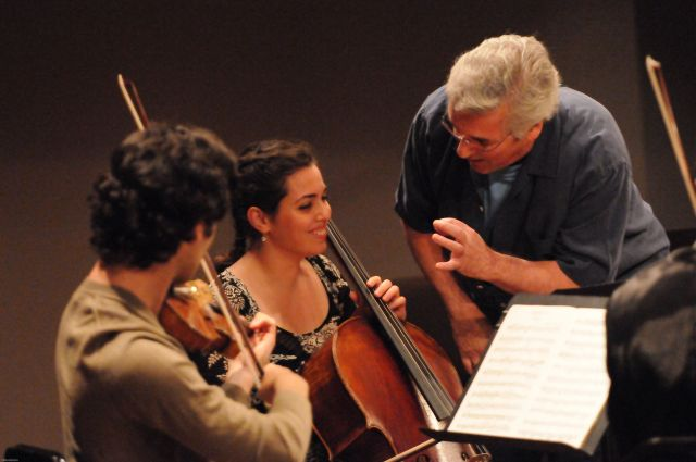 Pinchas Zukerman and students from the Summer Music Institute | Fred Cattroll