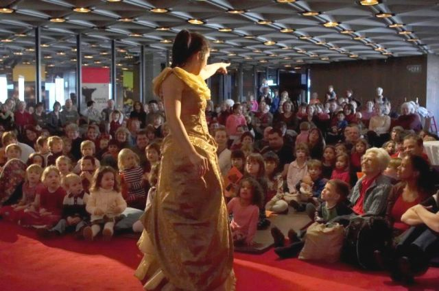 Children watch one of the NAC's  Kinderconcerts with rapt attention | Michel Dozois