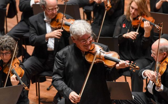 Pinchas Zukerman and the NAC Orchestra | Fred Cattroll