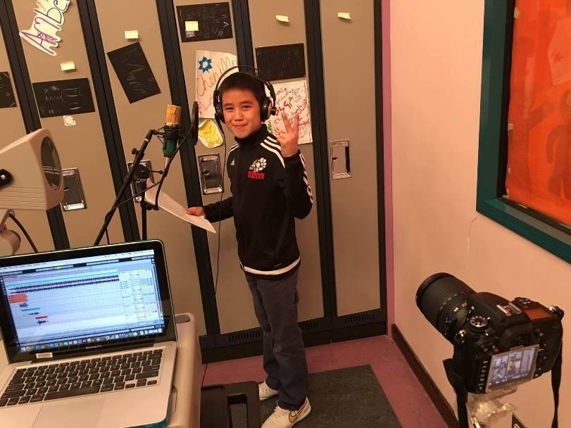 Enregistrement d'une chanson rap durant la Semaine de hip-hop à Rankin Inlet  Nunavut