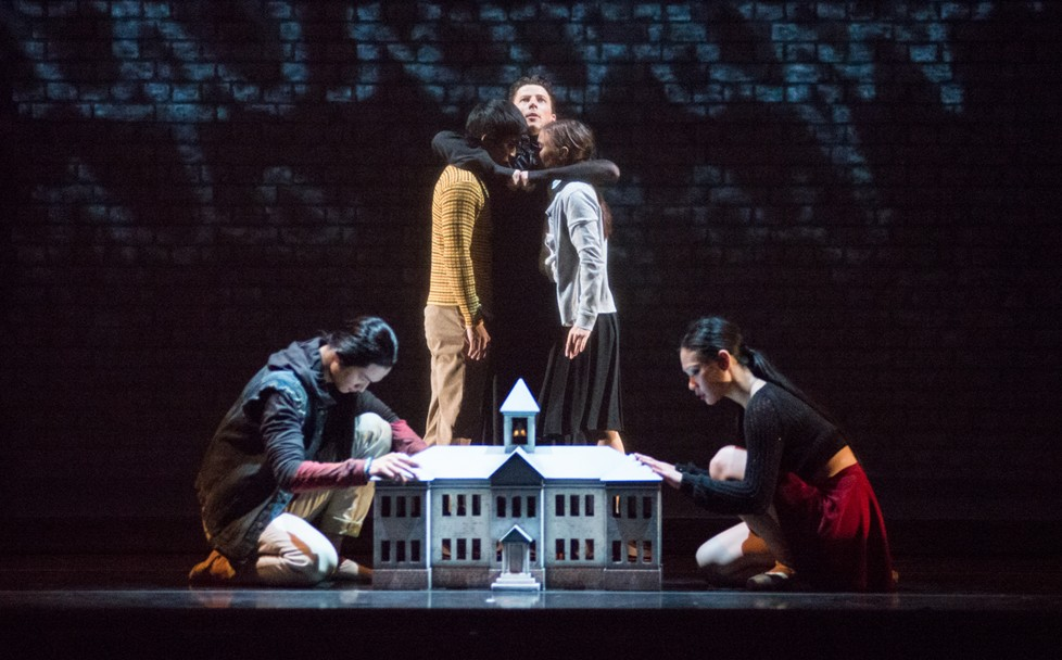 Royal Winnipeg Ballet du Canada dans « Going Home Star – Truth and Reconciliation »