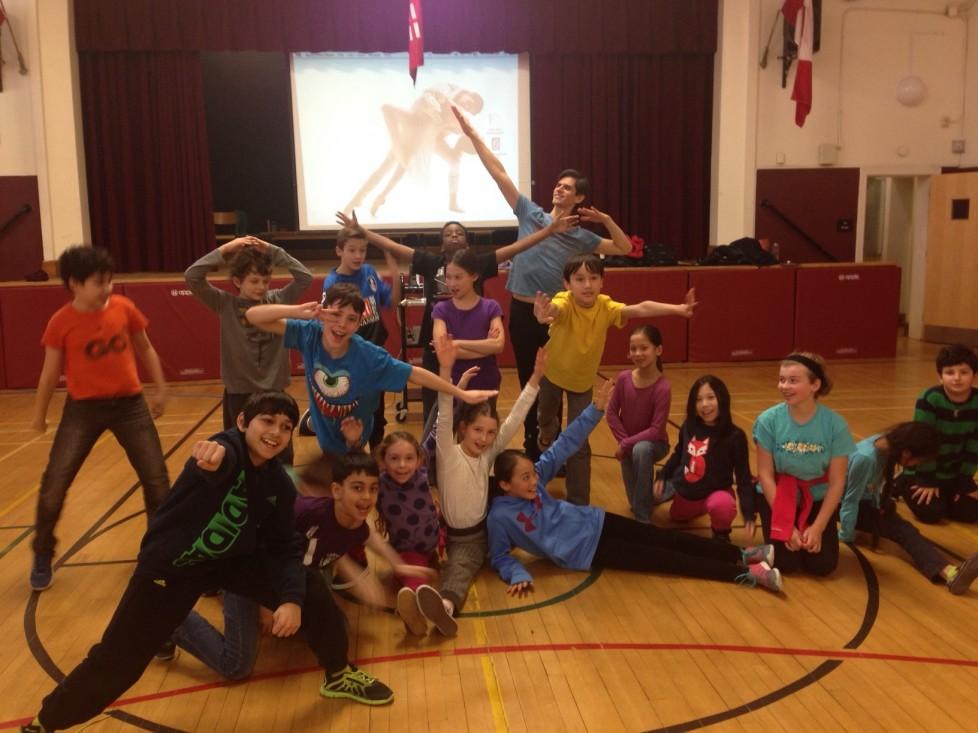 Ateliers de 30 minutes à des élèves du primaire avec Jamie Vargas