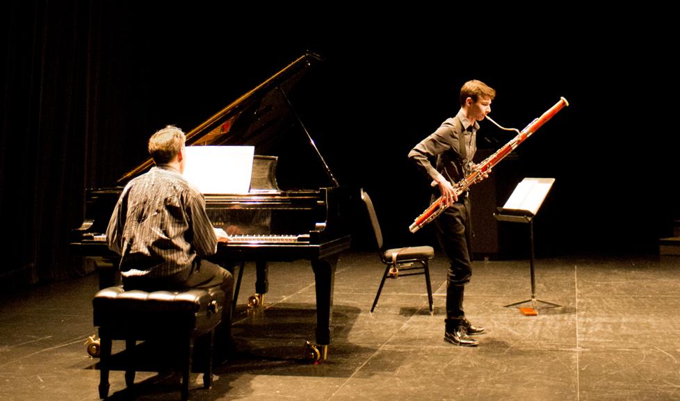 Nicolas Richard accompagné par Fred LaCroix à la Finale de la Bourse de l'Orchestre du CNA