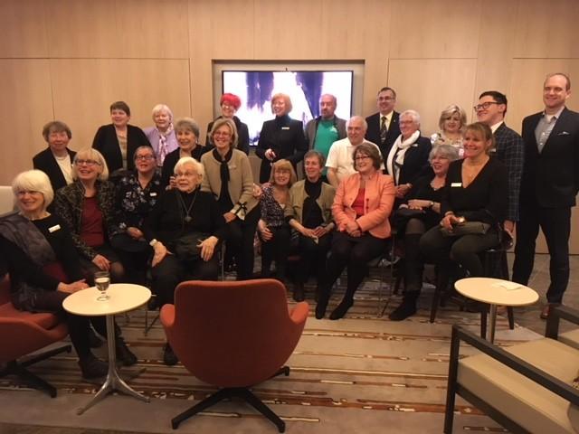 Des bénévoles du Cercle des donateurs à l'événement de reconnaissance des bénévoles de la Fondation du CNA