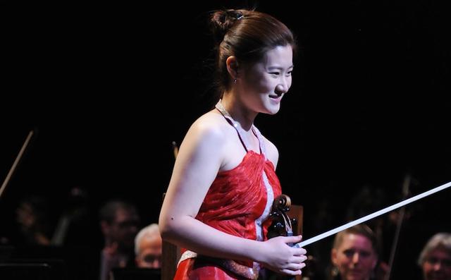 Shuai Shi – Young violinist at NAC Gala September 22, 2012   Photo : Ernesto DiStefano