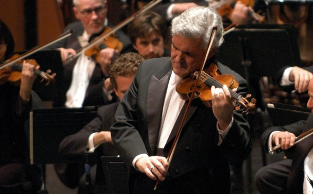 Pinchas Zukerman | Photo: Fred Cattroll