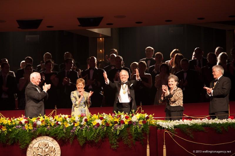 12. Les Prix du Gouverneur général pour les arts de la scène. (Le très honorable  David Johnston, Sharon Johnston, Eric Peterson, Viola Léger, Andrew Dawes )