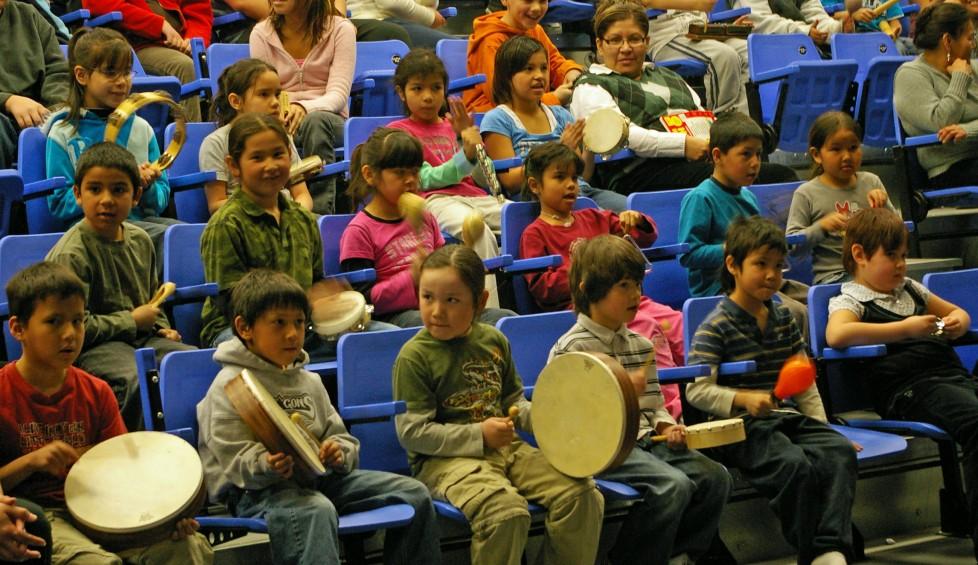 Visite de musiciens du programme Vive la musique à la Première Nation Carry the Kettle