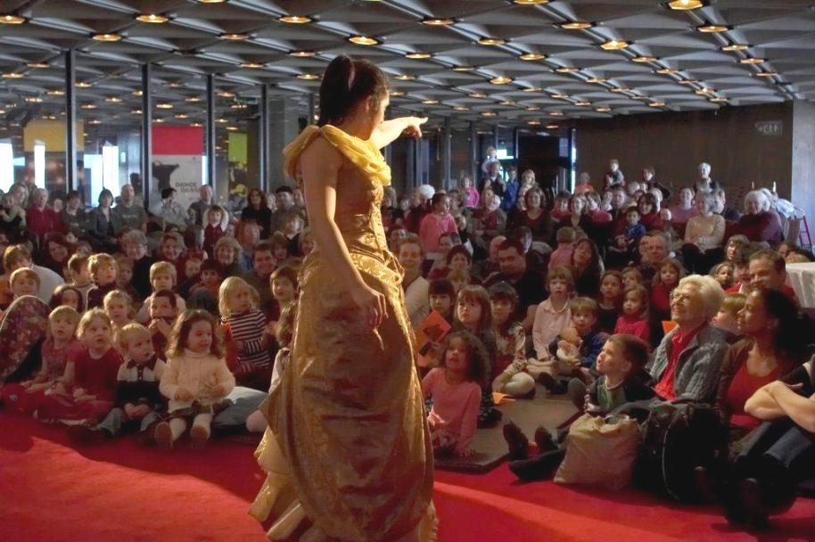 Des enfants captivés par un Concert bouts d'chou au CNA